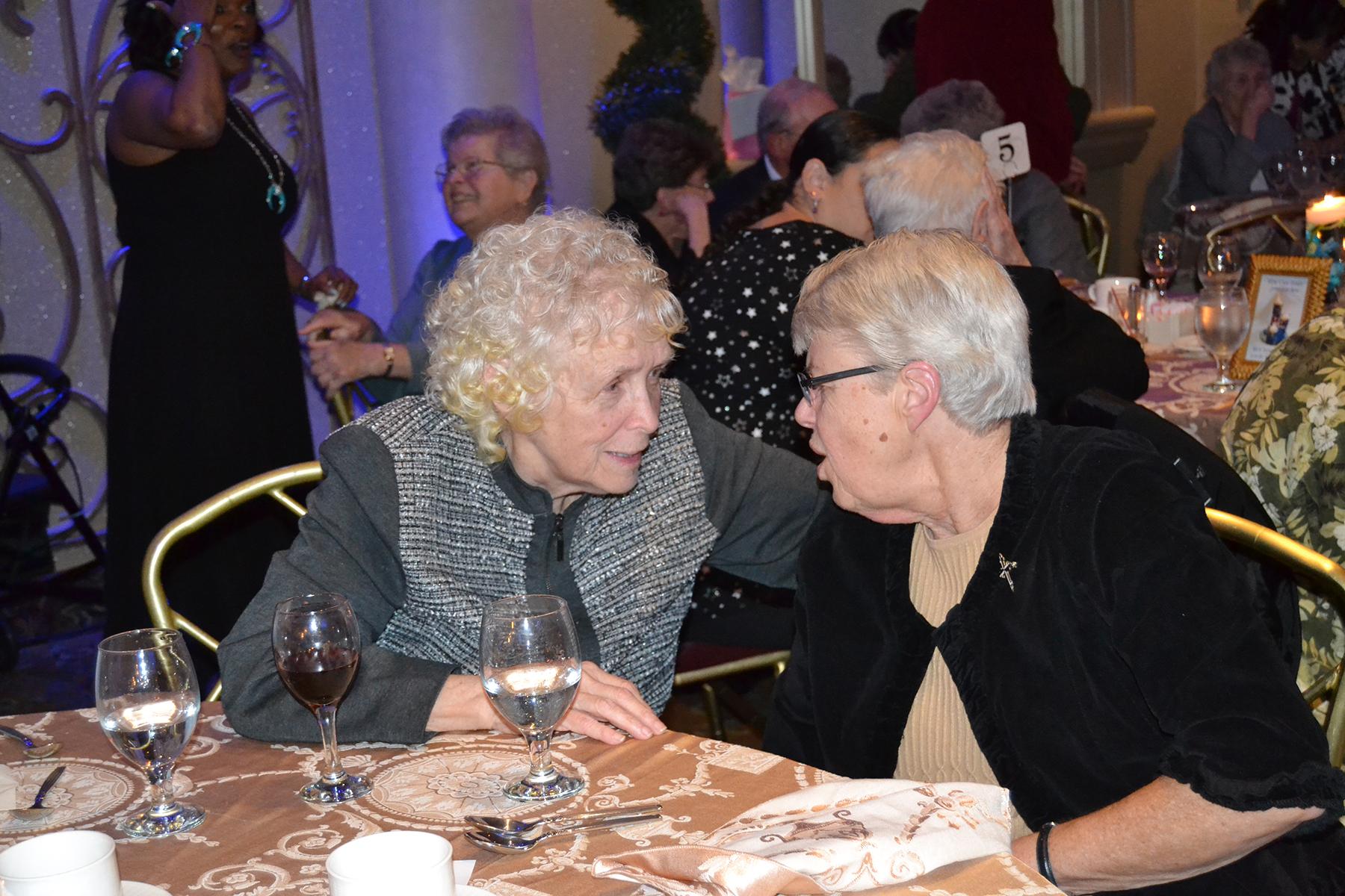 225_Peggy&Loretta